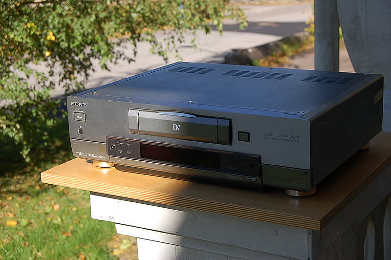 Sony DHR-1000 VC Digital Video Cassette Recorder