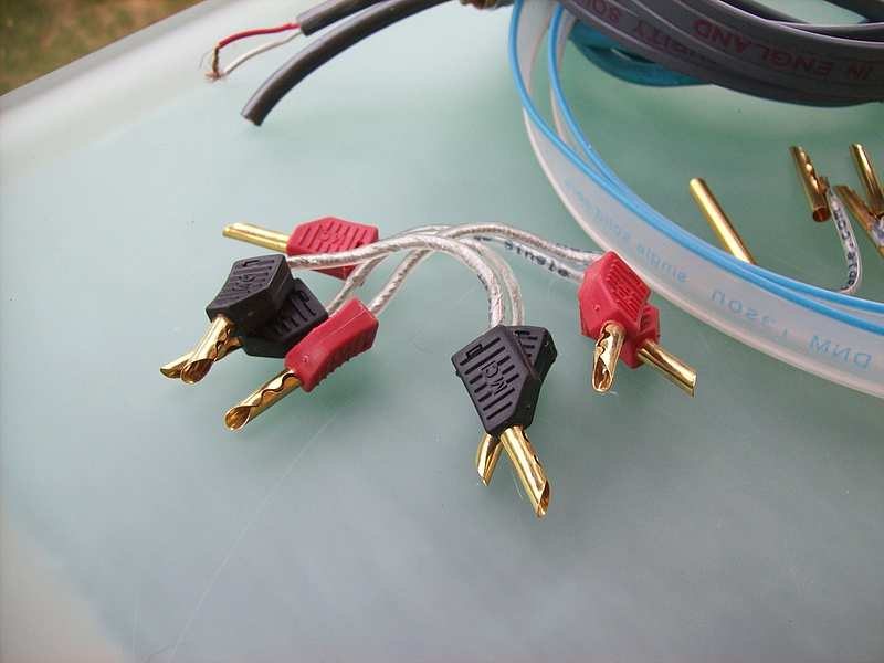 Voodoo Cable by Dope Sound / Bi-Wiring Adapter Reinsilber / Bananas